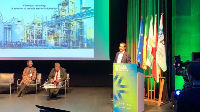 Hernan Calvo en conferencia